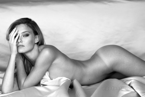 bar-refaeli-covered-nude-eyel-nevo-shoot-01-480x323