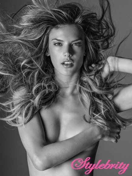 topless-models-in-russel-james-angels-book-15-cr1410464801322-435x580