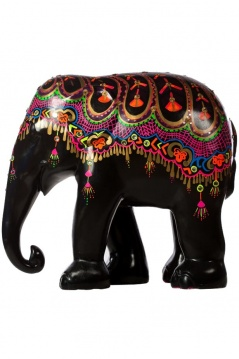 designers-decorate-elephants-for-charity_b