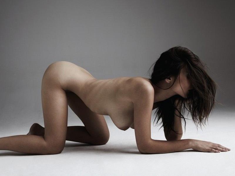 emily-ratajkowsi-nude-spring-treats-mag-03