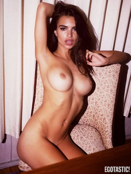 emily-ratajkowski-topless-adds-by-jonathan-leder-01-435x580