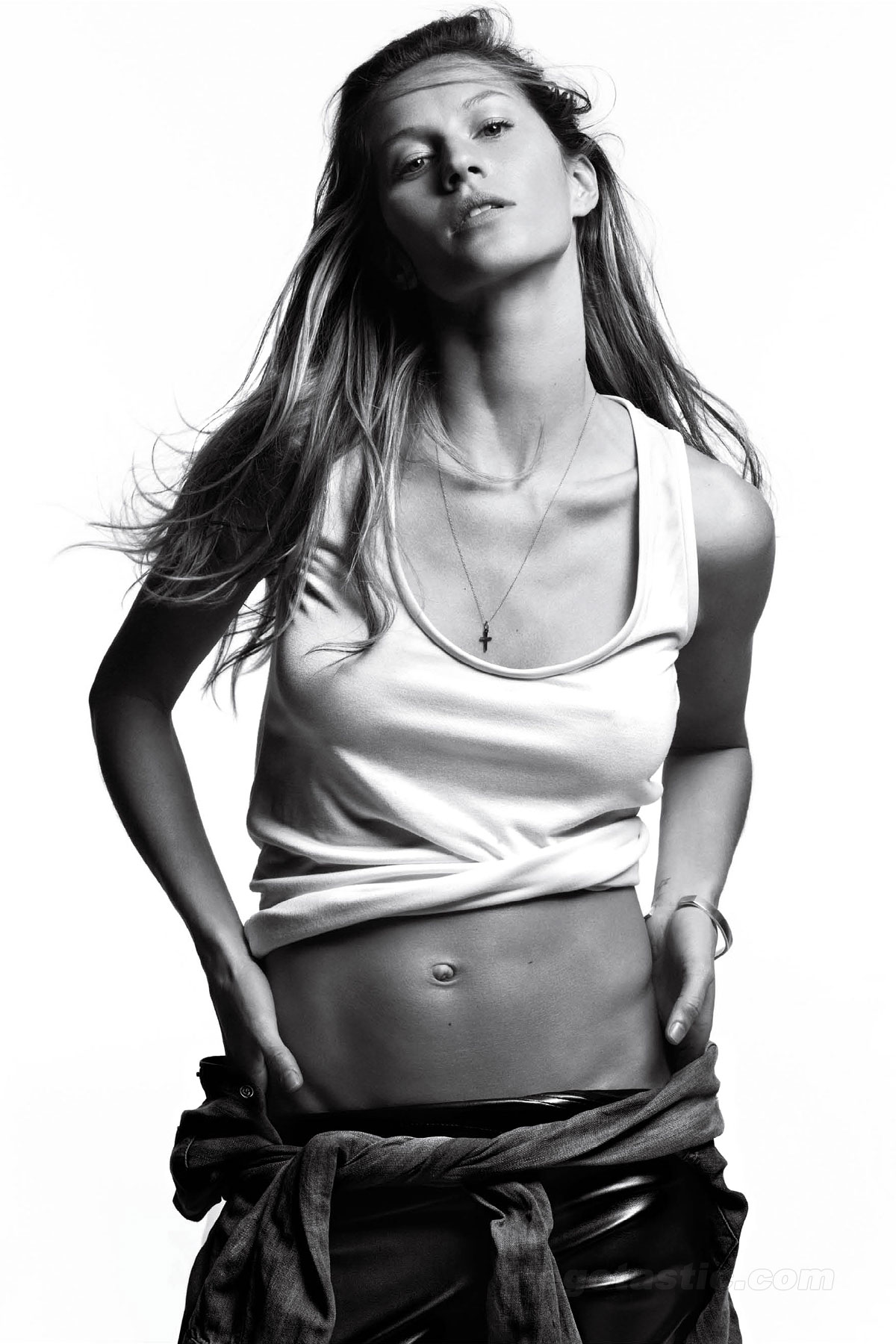 gisele-bundchen-march-v-mag-01