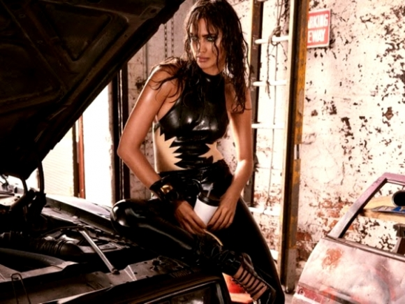 irina-shayk-in-gq-magazine-aug-2013-02-cr1374590348264-580x435