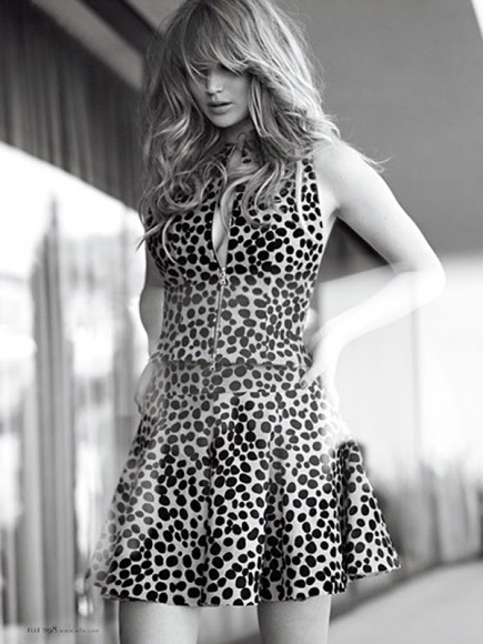 jennifer-lawrence-elle-magazine-us-december-2012-01-435x580