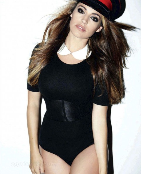 kelly-brook-oct-cosmo-uk-01-480x591