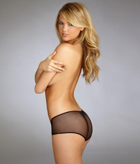 kate-upton-bare-necessities-lingerie-shoot-02-480x564