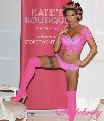 katie-price-lingerie-launch-03-435x580