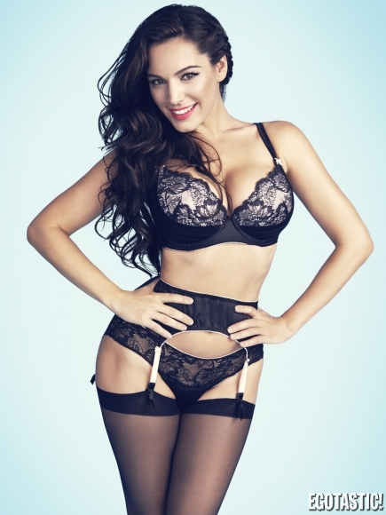 kelly-brook-new-look-lingerie-photoshoot-2014-05-435x580