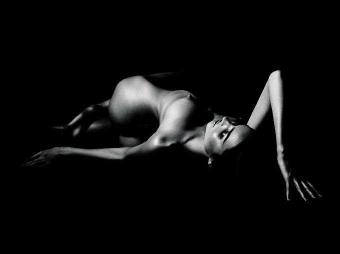 miranda-kerr-topless-industrie-mag-01