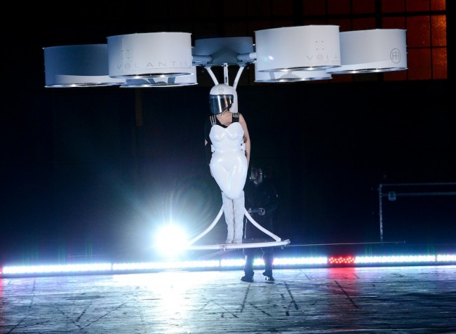 lady-gaga-flying-dress
