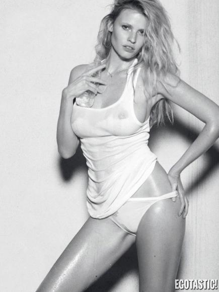 lara-stone-in-the-last-magazine-topless-photoshoot-fall-2012-02-435x580