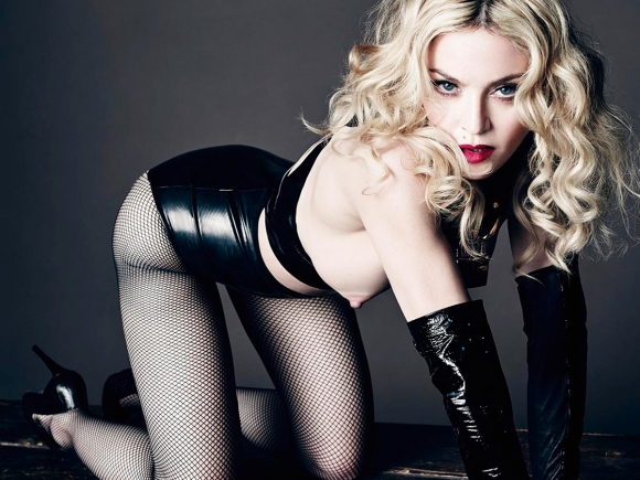 madonna-topless-shoot-for-l-uomo-vogue-may-2014-01-cr1403022891515-580x435