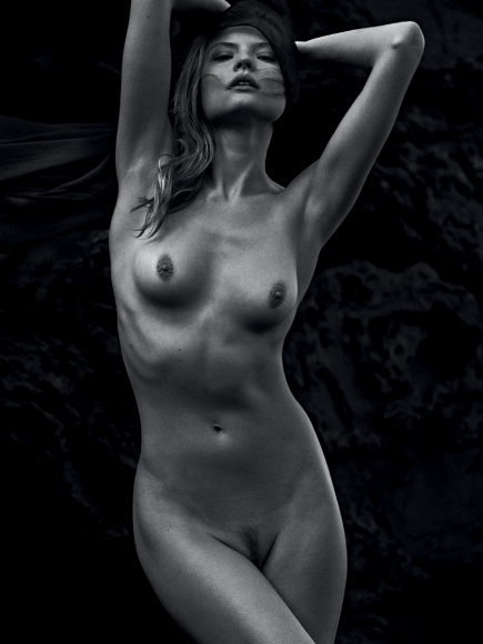 magdalena-frackowiak-topless-in-lui-magazine-may-2014-01-cr1399301194853-435x580