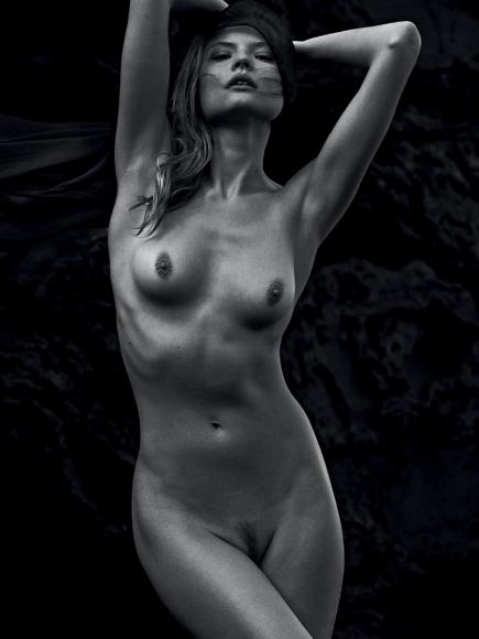 magdalena-frackowiak-topless-in-lui-magazine-may-2014-01-cr1399301194853-435x580