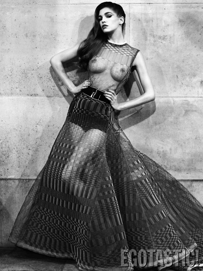 samantha-gradoville-topless-by-victor-demarchelier-02-675x900