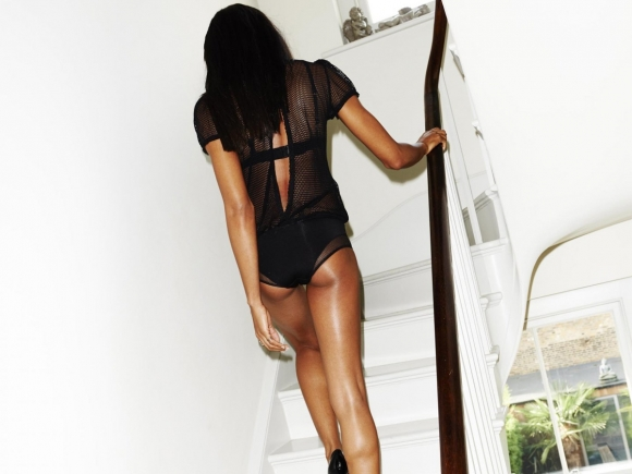 naomie-harris-esquire-uk-magazine-january-2014-01-cr1386363764602-580x435