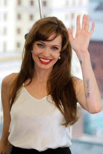 angelina jolie red carpet dresses. Angelina Jolie#39;s Salt Red