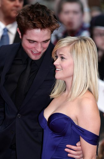 Robert Pattinson And Reece Witherspoon Attend UK Premiere Of Water For Elephants – Red Carpet Pictures