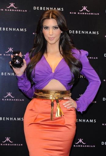 Kim Kardashian Launches Perfume Eponymous – Pictures