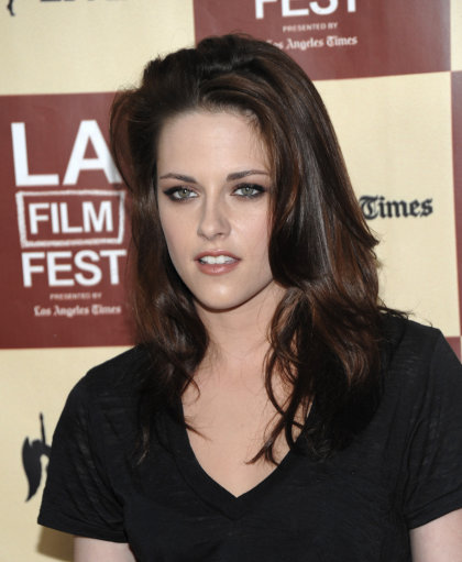 Kristen Stewart And Taylor Lautner Attend Premiere Of A Better Life