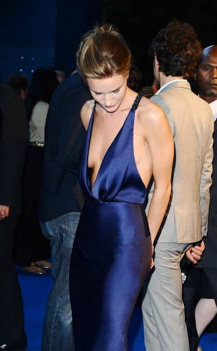 Rosie Huntington-Whiteley Wows At UK Premiere Of Transformers:Dark Of The Moon