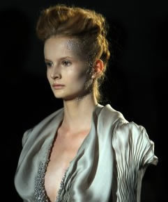 Yiqing Yin Fall-Winter 2011-2012 Haute Couture Paris – Pictures (Editor Notes Nudity)