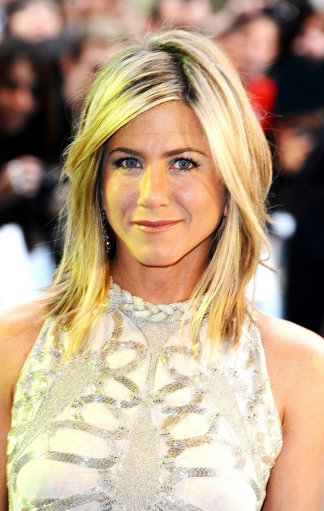 Jennifer Anniston And Stars Attend Bad Bosses Premiere London – Pictures
