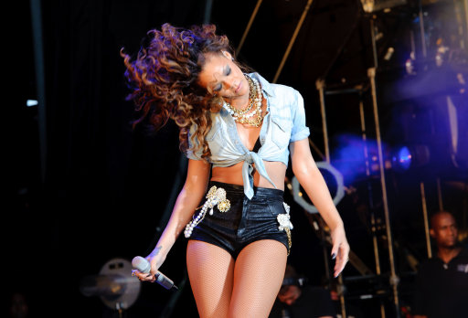 Rhianna And Other Stars Perform At V Festival 2011 – Pictures