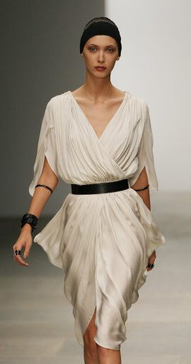 Amanda Wakeley S/S '12 Catwalk Show – London Fashion Week