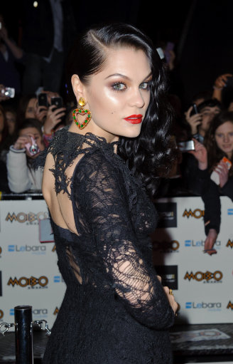 Mobo Awards 2011 – Red Carpet Pictures