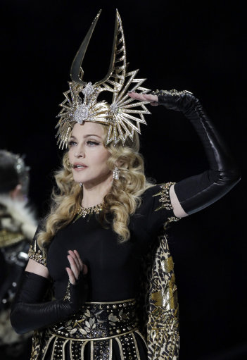 Madonna, Nicki Minaj and other stars perform at Super Bowl XLVI Half-time Show