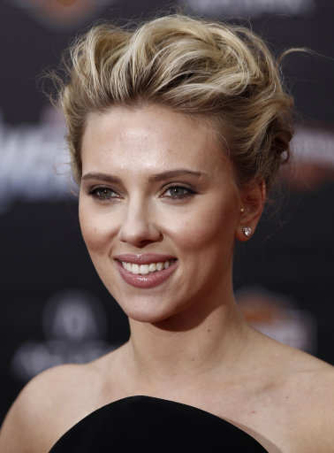 Scarlett Johansson and co-stars attend Avengers' Premiere – Los Angeles