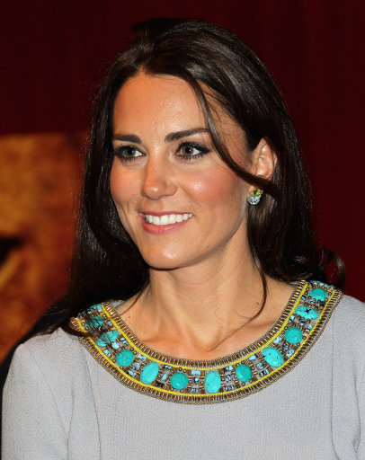 Duchess of Cambridge Steps Out In Matthew Williamson At African Cats Premiere