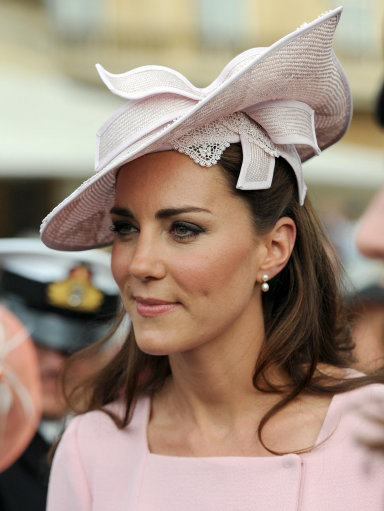 Duchess Of Cambridge Looks Preety In Pink As She Attends Royal Garden Party
