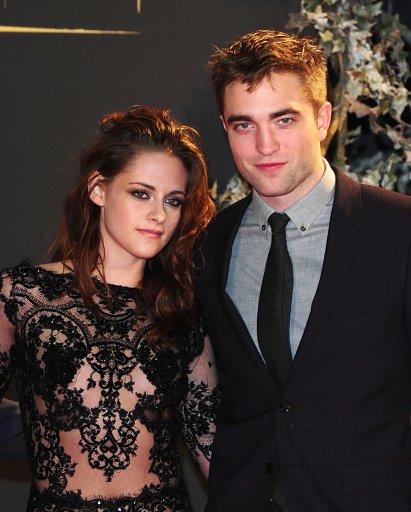 Kristen Stewart and Robert Pattinson on the Red Carpet forThe Twilight Saga: Breaking Dawn Part 2 Premiere – London
