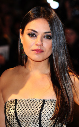 Mila Kunis Wears Alexander McQueen to Oz The Great And Powerful Premiere