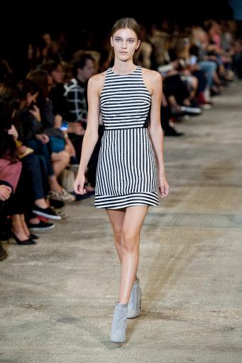 Richard Nicholl S/S 2014 Catwalk – London Fashion Week
