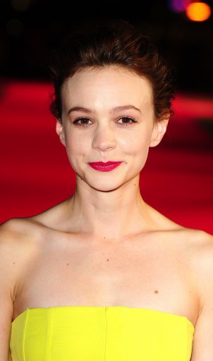 Carey Mulligan Shines on Red Carpet for Inside Llewyn Davis screening – 57th BFI London Film Festival