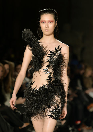 Julien Macdonald Catwalk a/w 14 – London Fashion Week 2014