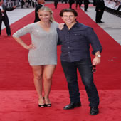 Cameron Diaz Shines On Red Carpet At Knight & Day Premiere