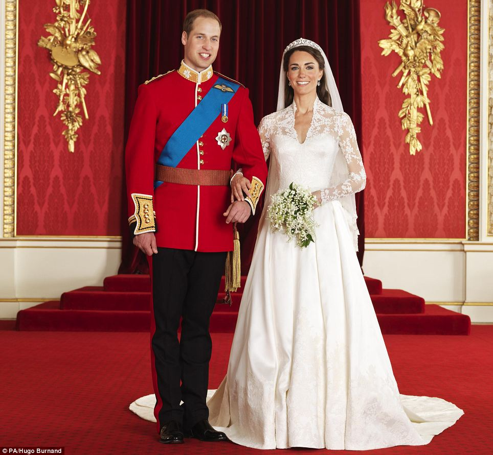 Official Royal Wedding Pictures Are Released