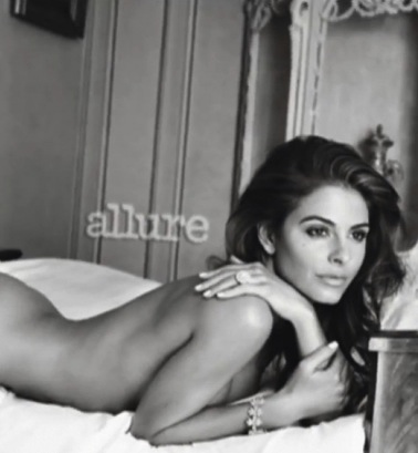 debra messing covered topless allure mag 02 580x435 Taraji P. Henson, Maria Menounos, Debra Messing Pose Nude All for ...