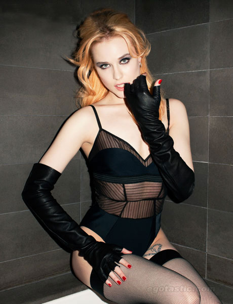 Evan Rachel Wood Photoshoot for Esquire Magazine