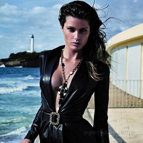 Isabeli Fontana in Vogue France – Pictures