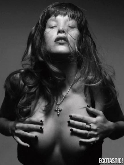 Paz De La Huerta gets naked in Mark Squires photoshoot