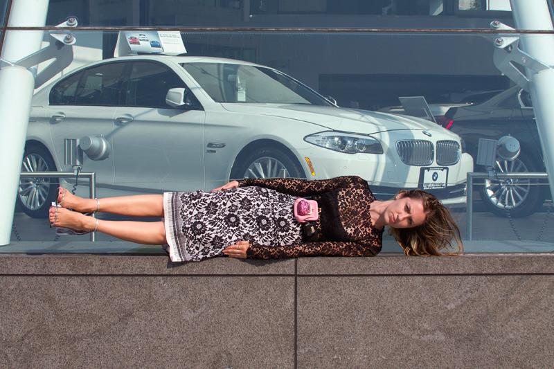 Fashionable Planking – Plank Girl By David Toro