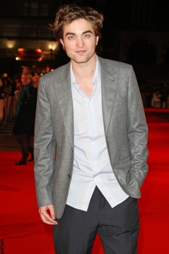 Robert Pattinson Is Not The New Face Of Burberry