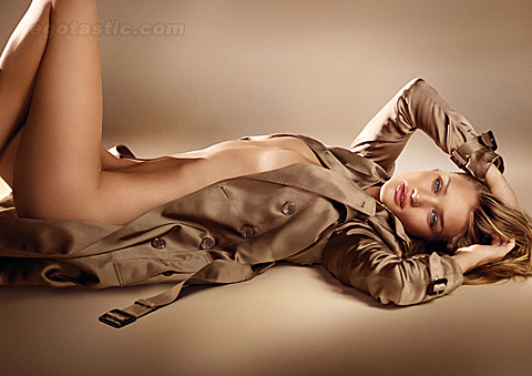 Rosie Huntington-Whiteley Covered Naked For Burberry Campaign