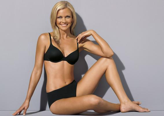 Australia's Next Top Model: Model Sarah Murdoch Announces Wrong Winner – Video